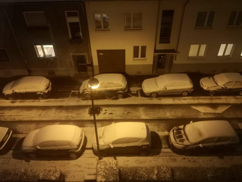 Der Schnee kam abends