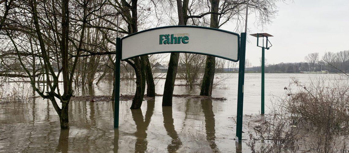 Hochwasser, Fähre